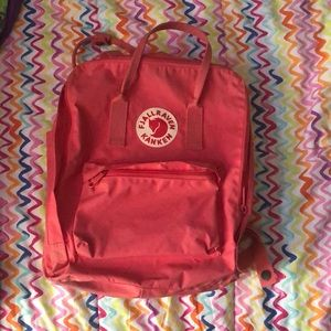 fjallraven kanken pink backpack